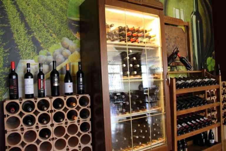 Pine Restaurant Pizzeria Anatolische Spätzialitäten | KMU Angebot Baselland, #corona